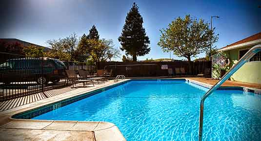 hotel in Vacaville CA - pool