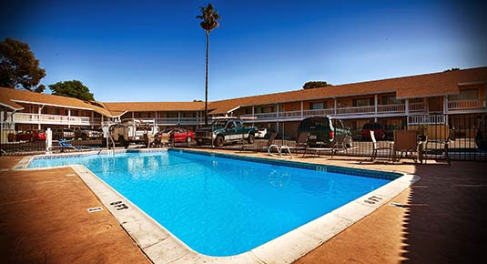 hotel in Vacaville CA - outdoor pool